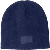 Acrylic beanie with a matching colour label.