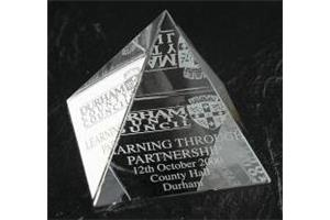 Optical Crystal 40mm pyramid